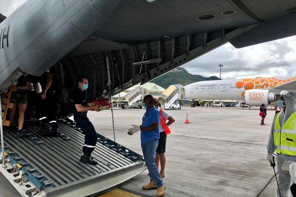 Des pompiers réunionnais en renfort aux Seychelles