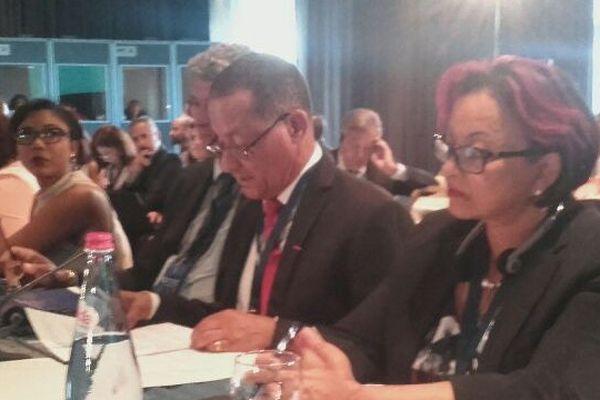 Le président Rodolphe Alexandre avec à sa droite la 1ère vice présidente de la CTG, Hélène Sirder