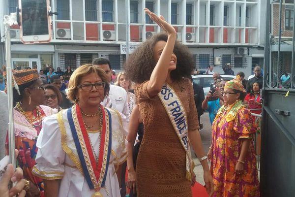 Alicia Aylies à la mairie de Cayenne