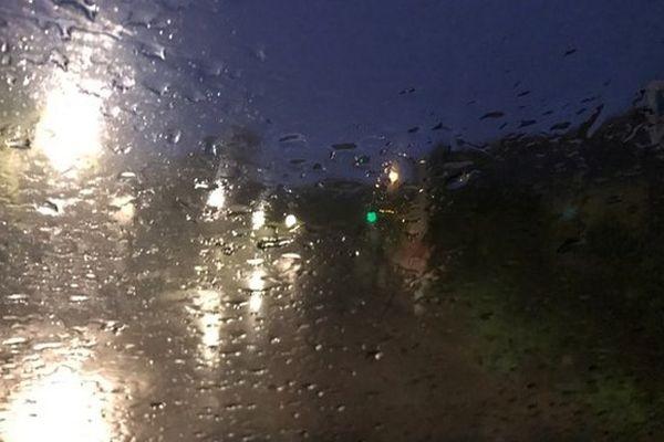 Pluie sur Saint-Denis