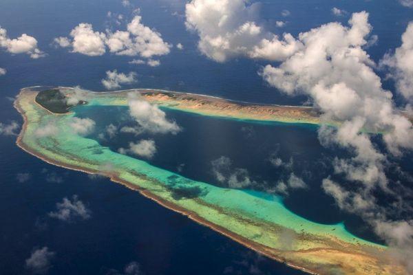 Vue aérienne de l'atoll Ant, Pohnpei, Micronésie (image d'illustration)
