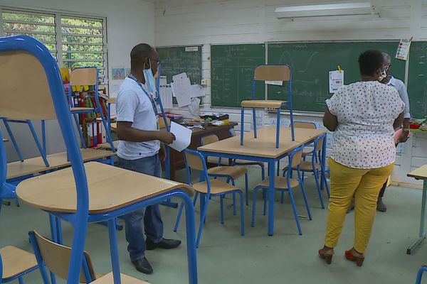 L'équipe pédagogique de l'école Duchange en plein préparatifs