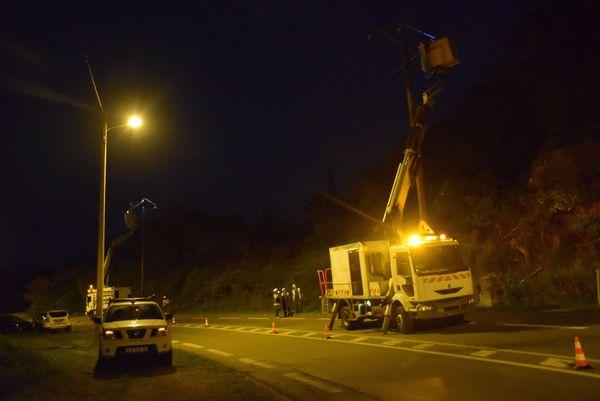 Accident de la route avec coupure de courant à Saint-Louis : travaux d'EEC la nuit, 27 janvier 2018