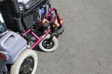Deux mamans se mobilisent pour leurs enfants atteints d'une maladie génétique.
