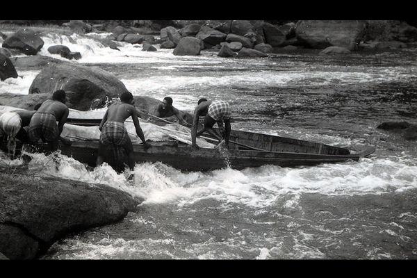 Passage d'un saut - Vos photos, notre histoire Guyane