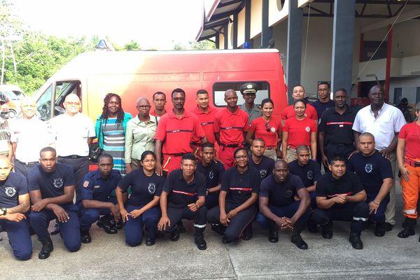 Les pompiers de Saint-Laurent, Surinam et Brésil en formation