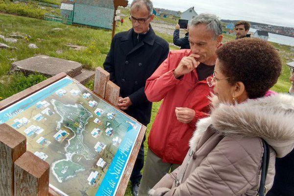 La visite de la ministre des outre-mer sur l'île aux marins