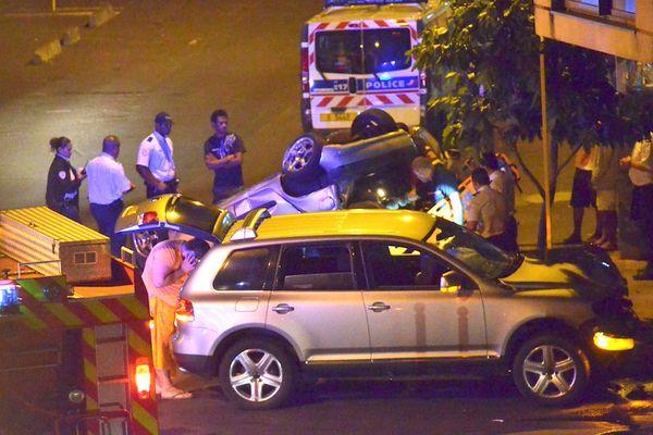 Spectaculaire accident hier soir à Papeete : de la casse et des blessés