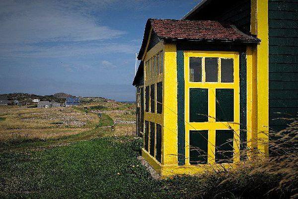 L'Ile aux Marins comporte une vingtaine de maisons privées