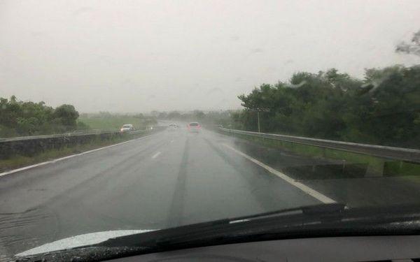 pluie battante sur les route de l'Est 070119