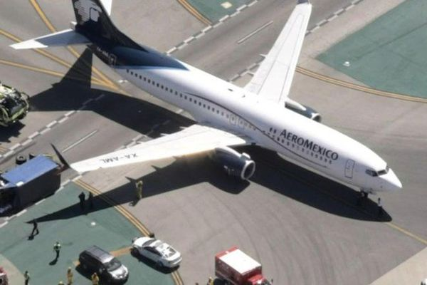 collision avion camion los angeles