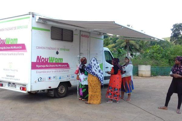 Camion itinérant dépistage cancer du col de l'utérus Rédéca Mayotte