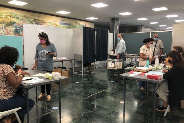 Elections 2021 bureau de vote saint-denis