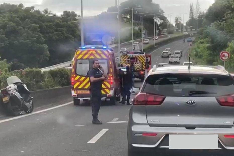 RDO : accident entre un scooter et une voiture - Polynésie la 1ère