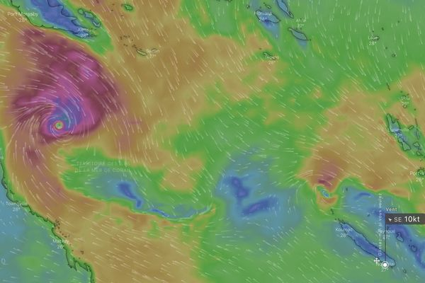 Le cyclone Niran à 10 heures, projection WIndy