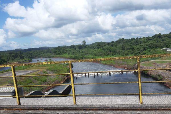 La retenue du barrage de Petit Saut