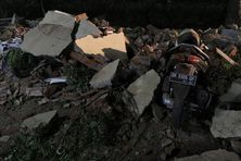 Des débris à la suite d'un tremblement de terre de magnitude 7 à Lombok (Indonésie), le 5 août 2018.