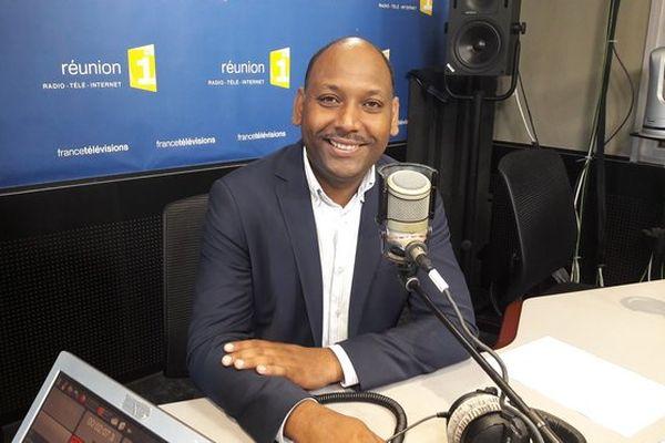 Thierry Robert (studio Radio de Réunion 1ère)