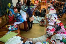 La générosité des Mahorais va permettre aux habitants d'Acoua de garnir une garde-robe qui a été emportée par les eaux et la boue dans la nuit de lundi à mardi dernier.