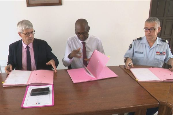 """Sécurité : un """" protocole de participation citoyenne""""  signé au village de Javouhey"""