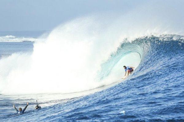 OK Fiji Pro : Michel Bourez élimine Mick Fanning