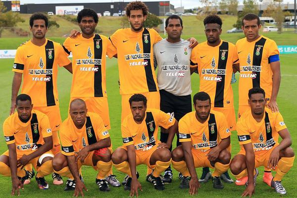 L'équipe de Magenta contre Tefana