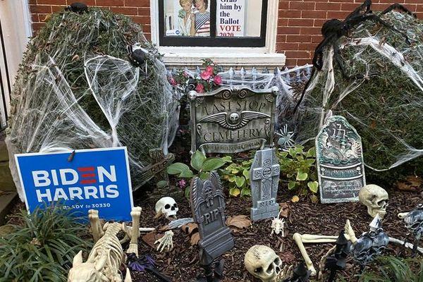 Dans le quartier de Georgetown à Washington lors d'Halloween, le 31 octobre 2020.