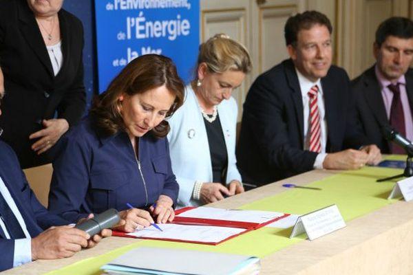 Signature du rachat de géothermie Bouillante par ORMAT
