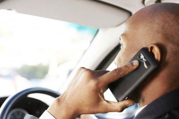 Téléphoner au volant