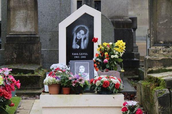 Edith Lefel (1963 - 2003) est née l'année de la mort d'Edith Piaf, l'une de ses idoles