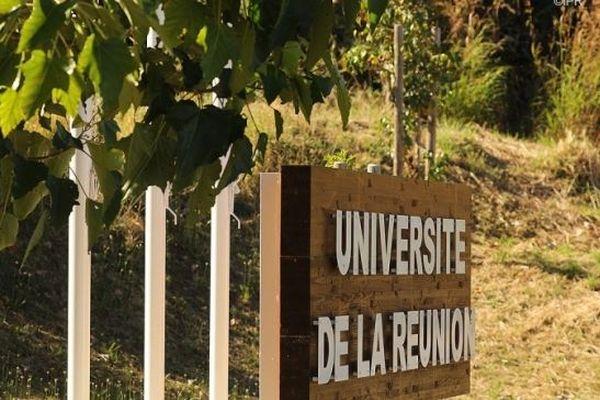 L'Université de La Réunion.