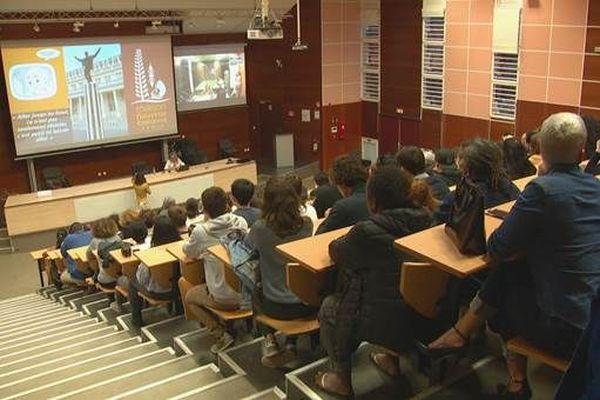 L'obtention d'une couverture sociale un vrai casse-tête pour les étudiants calédoniens