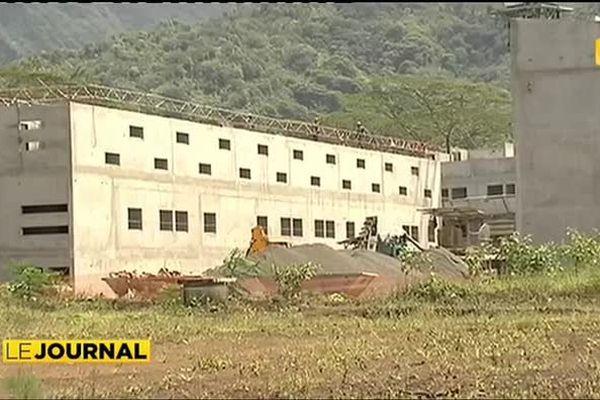 La directrice de l'administration pénitentiaire visite la future prison de Papeari