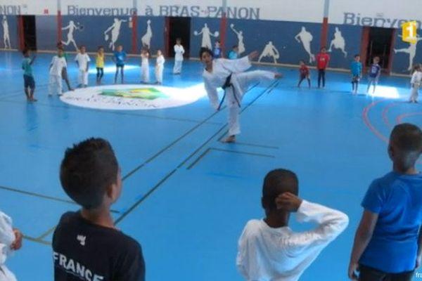 20170111 Lucie Ignace et les jeunes à Bras Panon