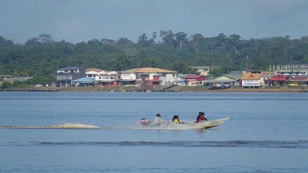 Albina, au Surinam sur les rives du Maroni