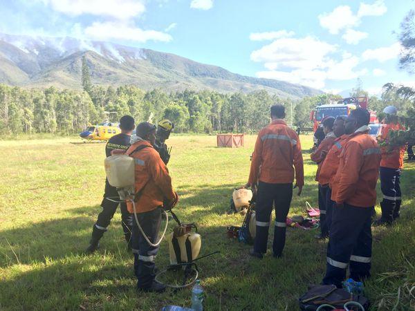 Les agents de la rivière Bleue prêts à être déposés sur site, feu du Mont-Dore, 2 décembre 2019