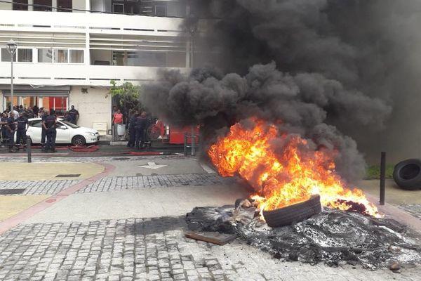 feu pneu pompiers