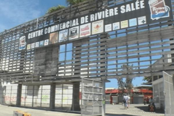 Centre commercial de Rivière Salée