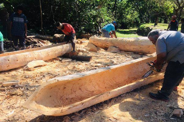 construction pirogues hienghène