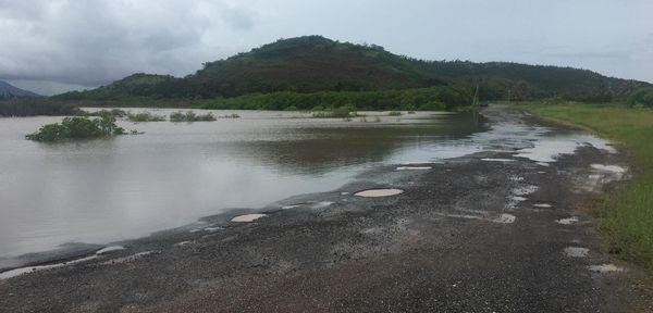 Etat des routes après les pluies, sur la route de la marina de Pandop, 20 janvier 2021
