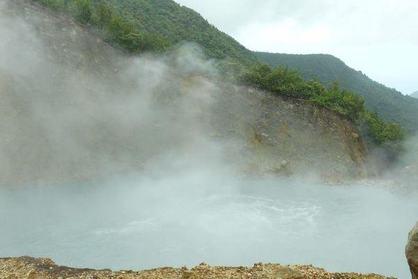 La Dominique: le Lac Bouillant