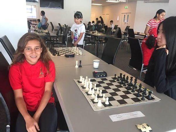 Oceania d'échecs, jeune Calédonienne