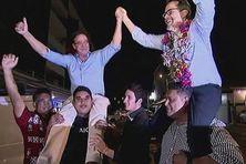 Philippe Gomès et Philippe Dunoyer célébrant leur victoire aux législatives.