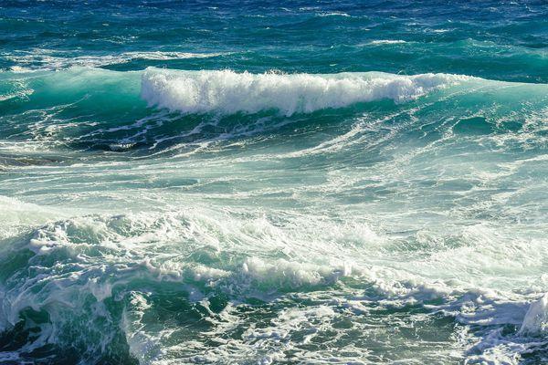 Mer dangereuse à la côte niveau JAUNE