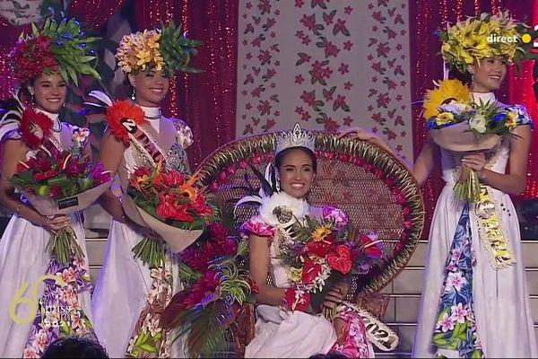 Miss Tahiti 2021 et ses dauphines