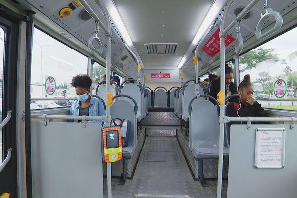 Tanéo coronavirus. Intérieur bus