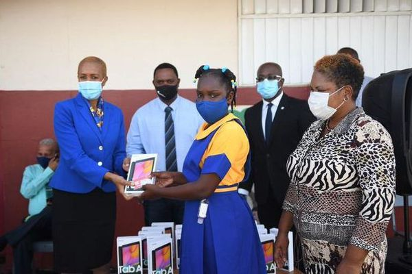 Jamaïque distribution tablettes