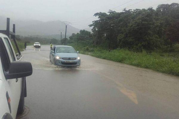 Bourail : route inondée à Nékou