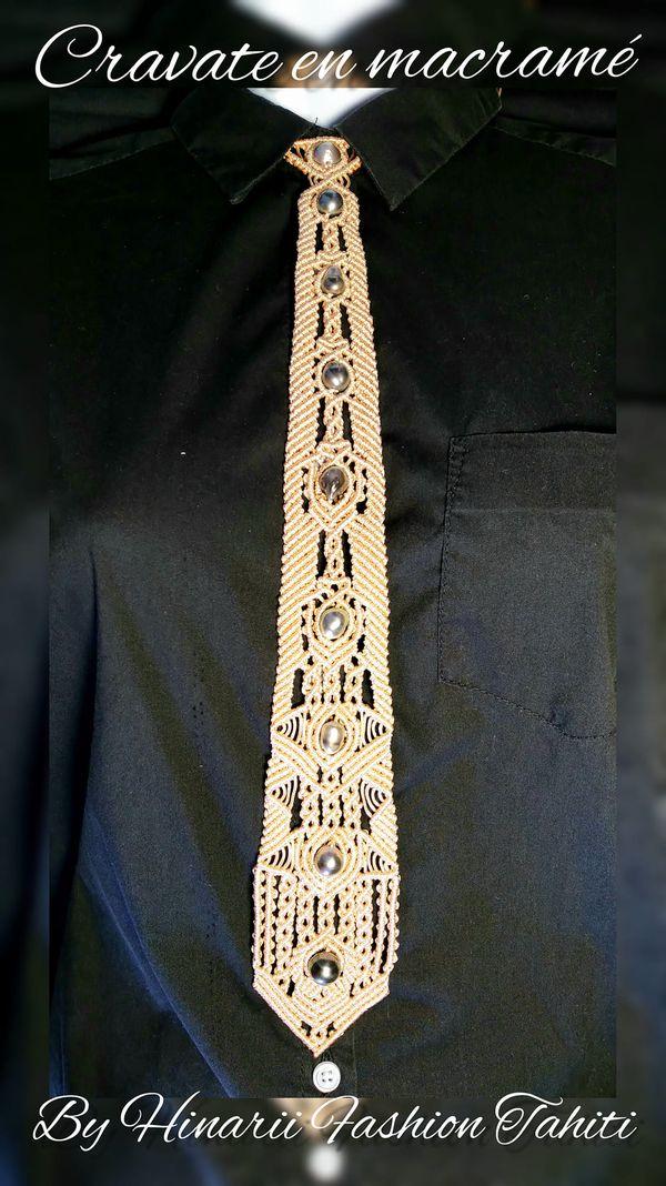 Prix du coup de coeur du public : la cravate en macramé avec des perles de Hinarii Fashion Tahiti