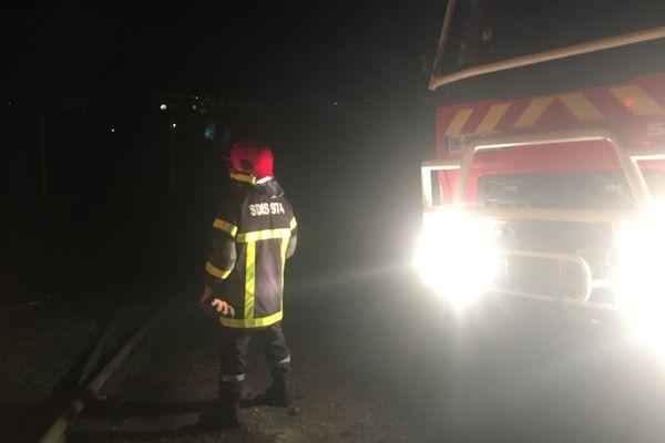Un incendie ravage le concessionnaire Peugeot au Port.